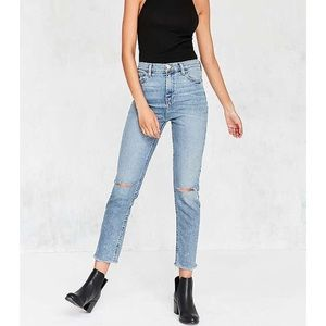 NEW Urban Outfitters BDG Girlfriend Jeans